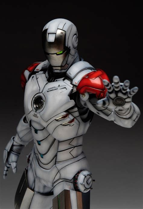 1/6 Iron Man Mark IV (Hot Toys) Custom Paint: reposted now