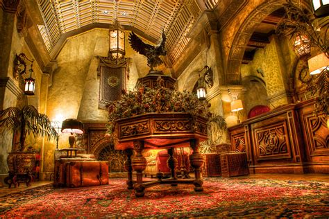 Hollywood Studios: Tower of Terror, Lobby | Armed with my
