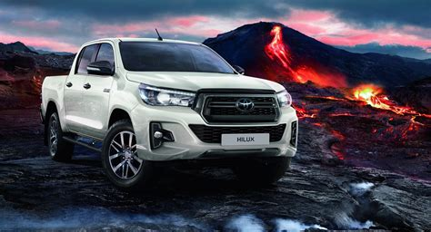 Toyota Details 2020 Hilux For the UK - autoevolution